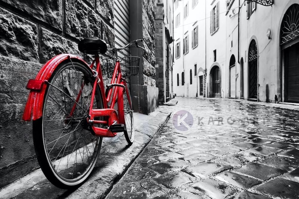 Schilderij - Rode fiets , Zwart wit rood , 3 maten , Wanddecoratie -  1 luik - 120x80 cm