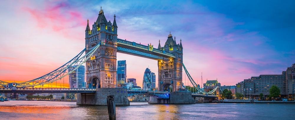 Schilderij - Tower Bridge, Londen, Engeland , Multikleur , 2 maten , Premium Print