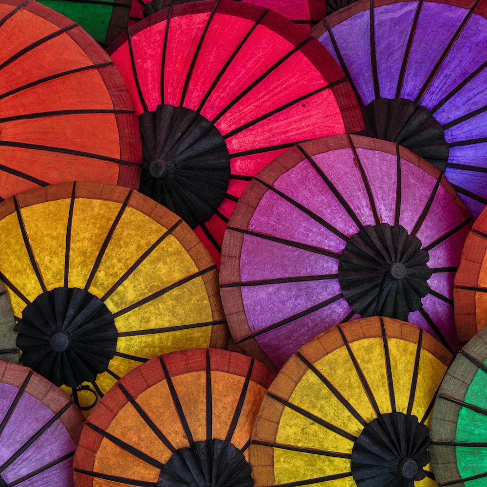Schilderij - Kleurrijke paraplu, multikleur