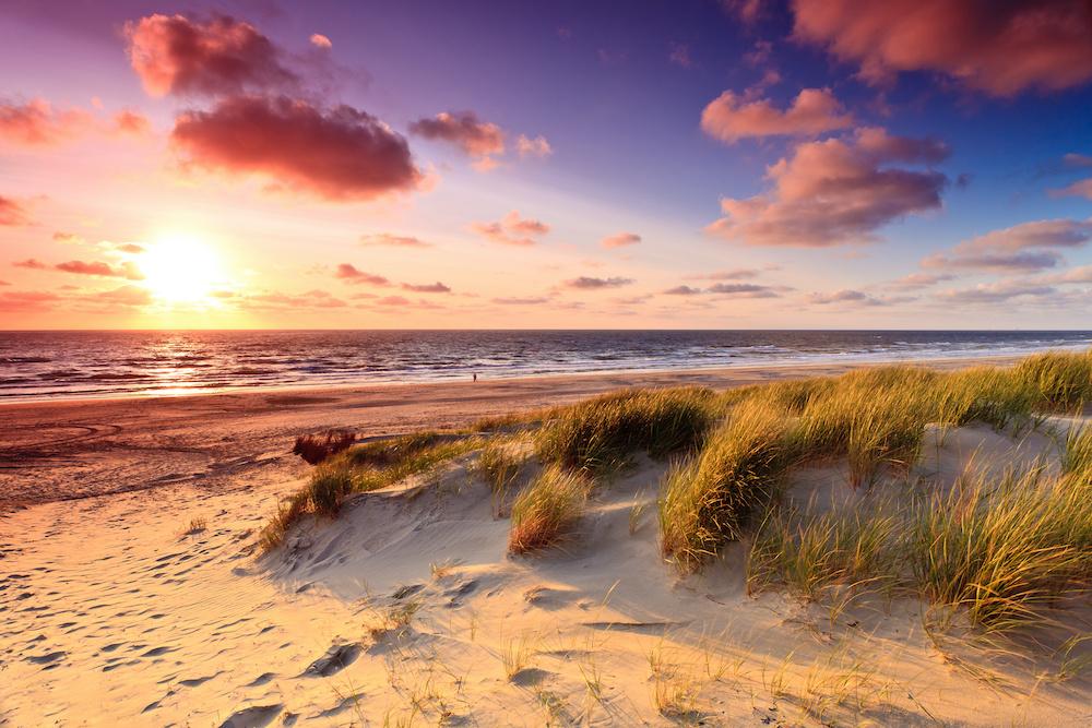 Schilderij - Zee, zon, duinen, 2 maten, Premium print