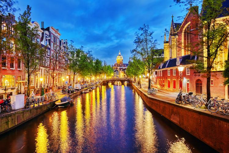 Schilderij - Aan de Amsterdamse grachten, 2 maten, Premium print