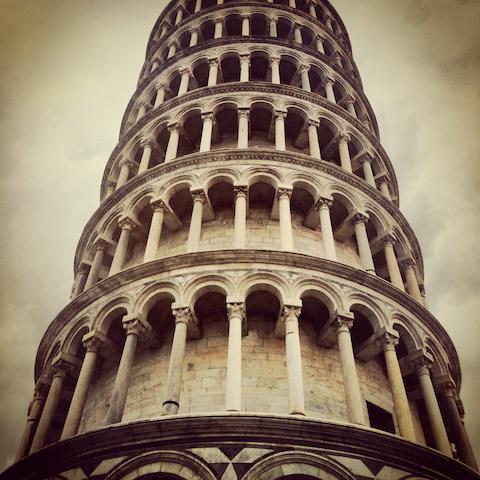 Schilderij - Toren van Pisa, close up, 3 maten, print op canvas