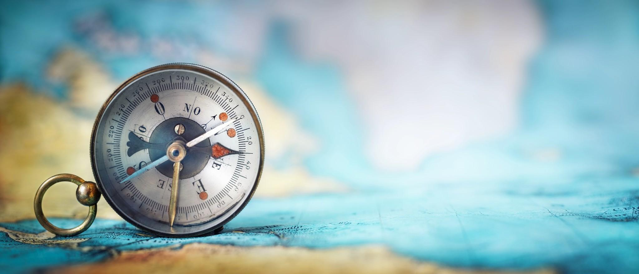 Schilderij -Het Kompas, 140x60cm. wanddecoratie,  Premium print -  1 luik