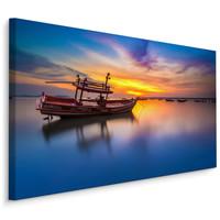 Schilderij - Boot op een meer bij zonsondergang , Wanddecoratie , Premium print