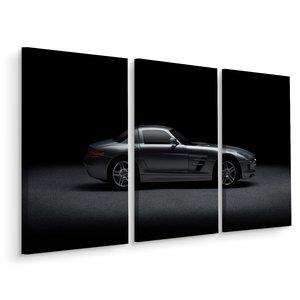 Schilderij - Sportwagen met donkere achtergrond, 3 luik, premium print
