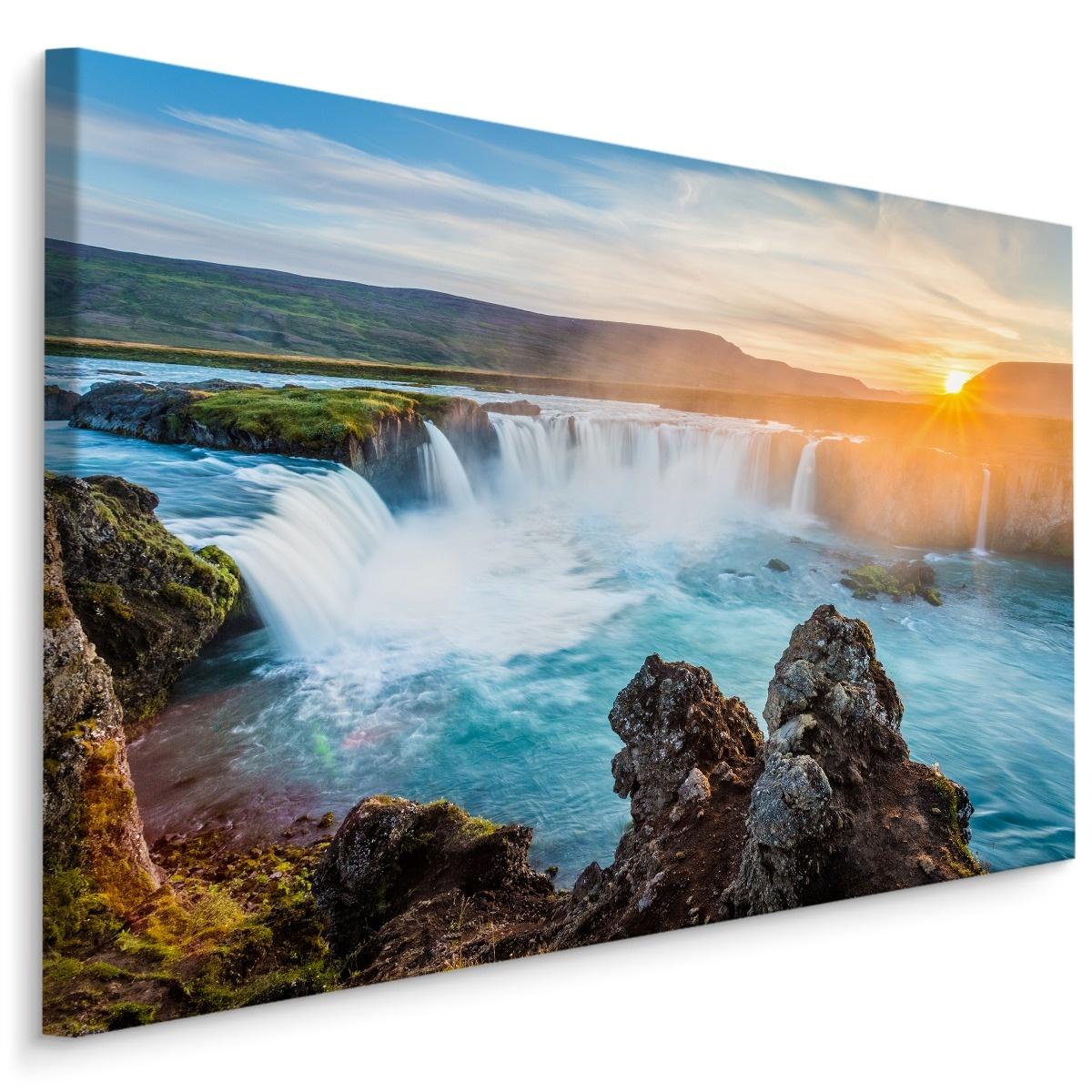 Schilderij - IJslandse waterval bij zonsondergang, multi-gekleurd, 4 maten, premium print
