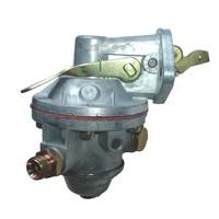 Pompe à essence avec levier à main