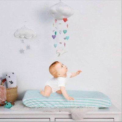 Mobile BIO-katoen wolk met hartjes voor kinderwagen/kinderbed/kinderkamer