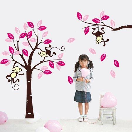 Muursticker boom met 3 slingerende aapjes fuchsia roze bruin