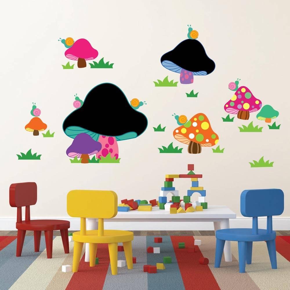 Muursticker met paddenstoelen en krijtbord
