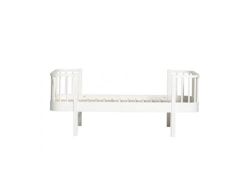 Oliver Furniture WOOD JUNIOR BED 90X160 WHITE INCL. CONVERSION TO 200CM.