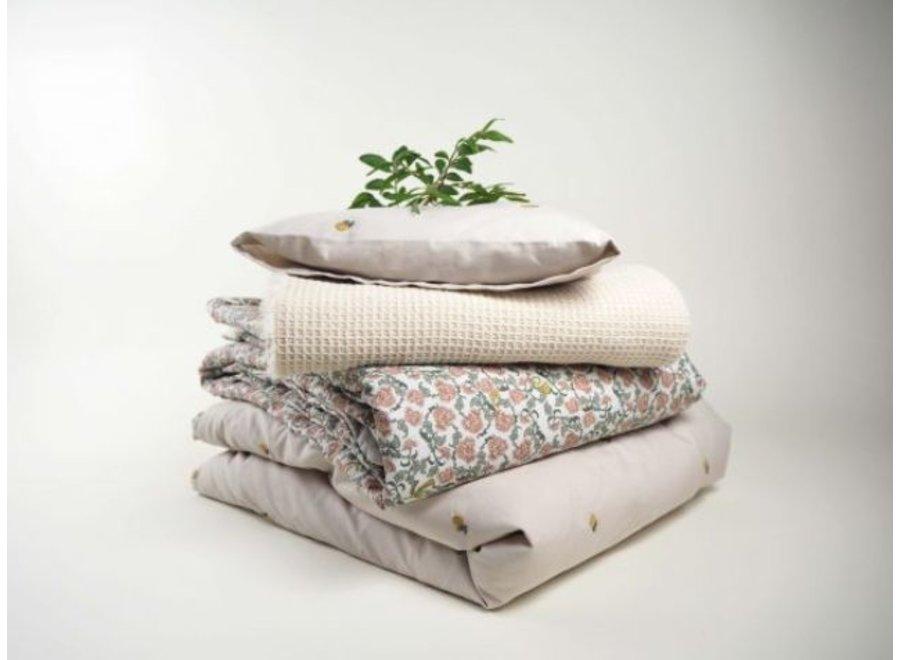 Floral Vine Bed Quilt 140x200 cm