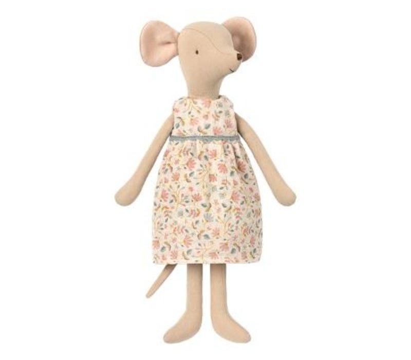 Medium mouse - Girl