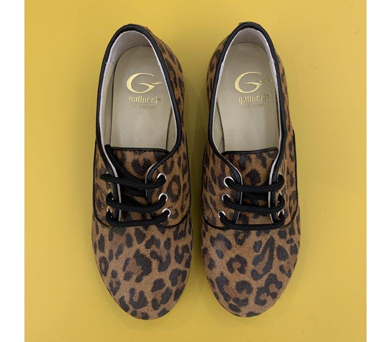 Lage veterschoenen met leopard print, ook voor de mama's