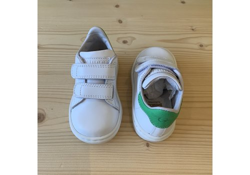 Gallucci White sneakers with velcro straps and green detail