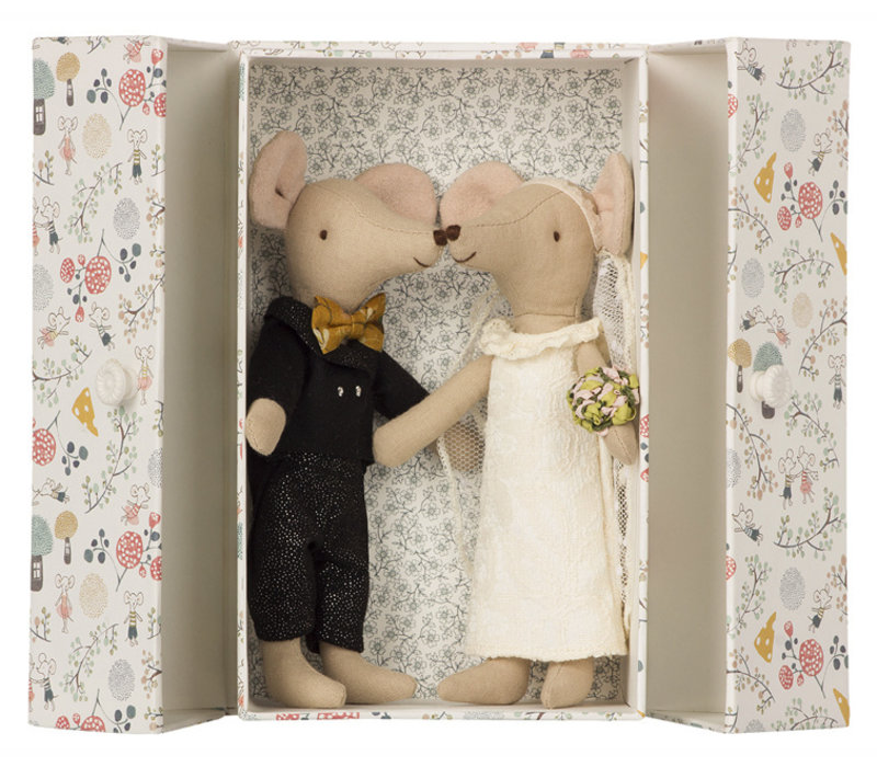 Wedding Mice Couple in Box