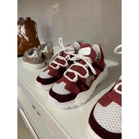 Sneakers with bordeaux/pink details, up to mommy size