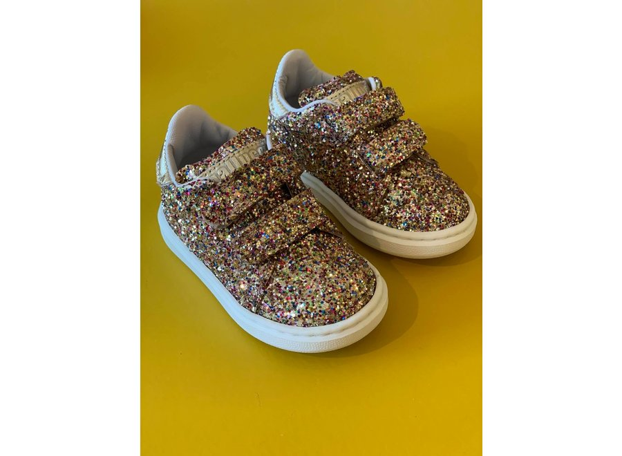 All over glitter sneakers elcro straps and Golden detail