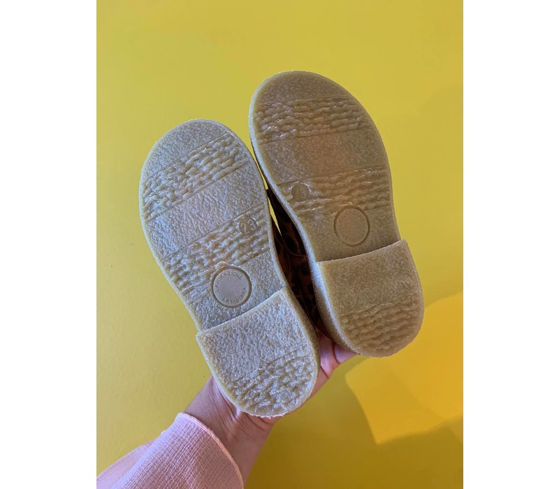 Lace-up leopard shoes