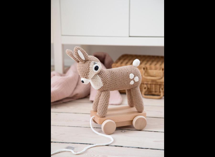 Crochet pull-along toy, Dixi the deer, Forest, lig
