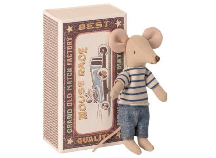 Big brother mouse, in matchbox