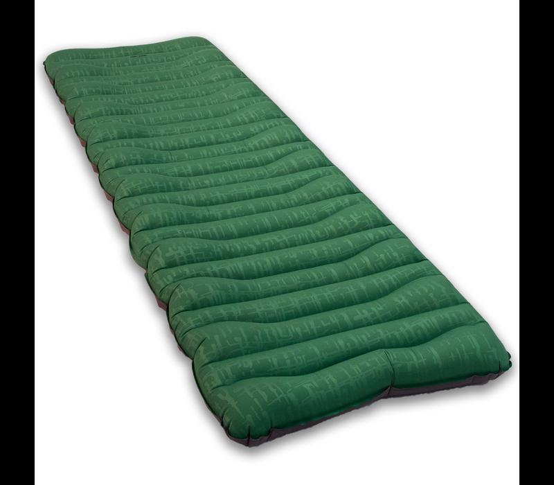LOWLAND OUTDOOR® insulated slaapmat  - 198 cm x 66 cm x 10 cm - R-Value 5,2