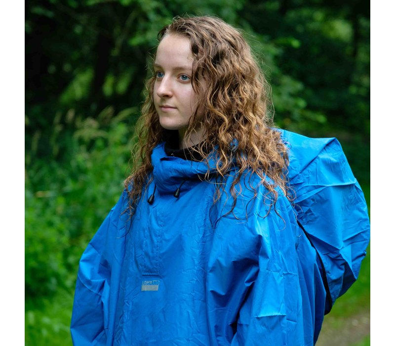 LOWLAND OUTDOOR® Poncho per i backpackers/saccopelisti - 100% impermeabile (10.000mm) - ventilazione efficace (8.000g/M²)