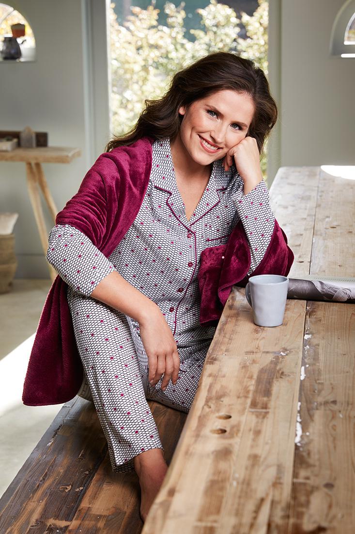 Pastunette Deluxe long sleeve full button pyjama 'geometric pink dot flower'