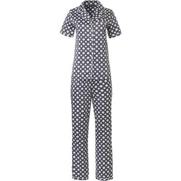 Pastunette Deluxe satijnzachte doorknoop pyjama met korte mouwen 'deeply dotty'