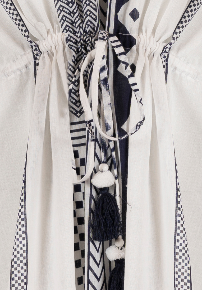 Pastunette Beach witte cover-up met taillekoord 'modern holiday fashion'