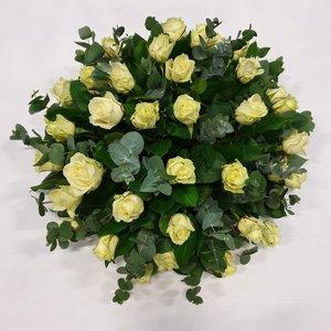 rozen.nl Rouwstuk van rozen en div. groen