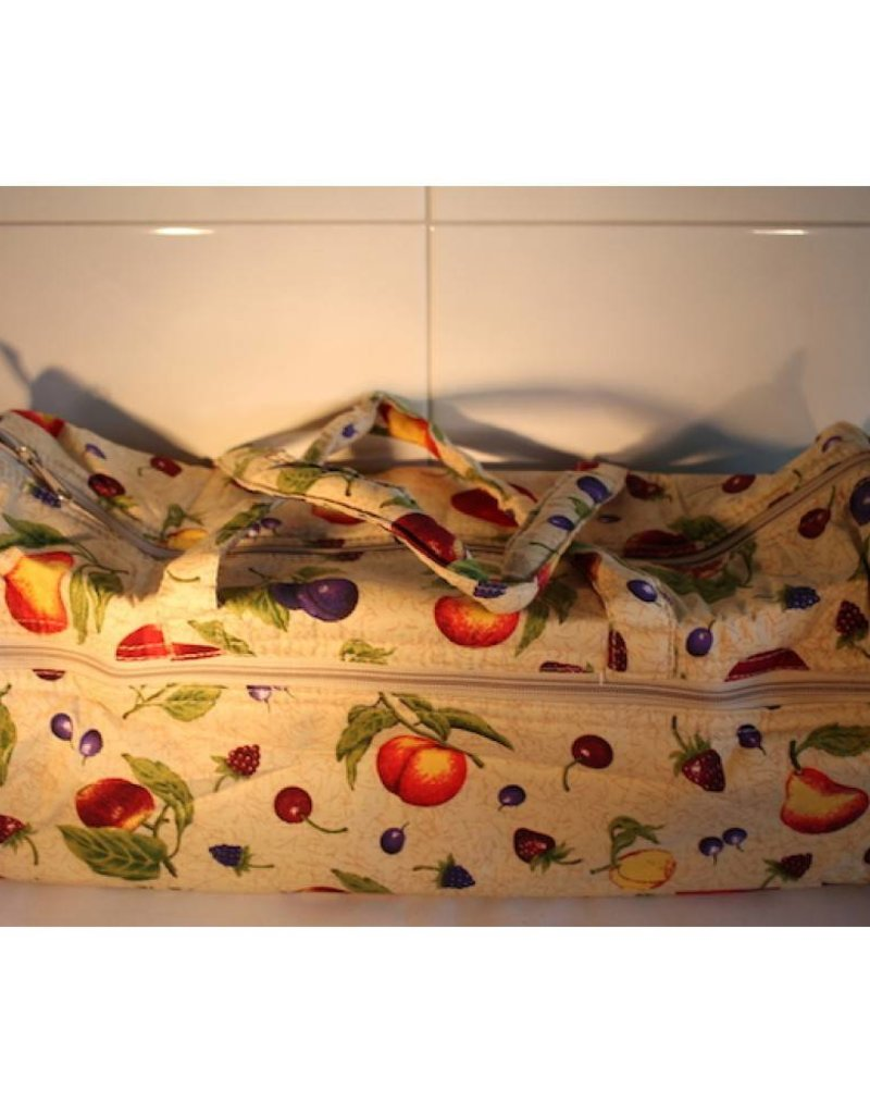 Knitting bag with cheerful design -