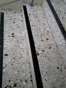 Terrazzostufen sanieren und aufarbeiten - Stein-doktor