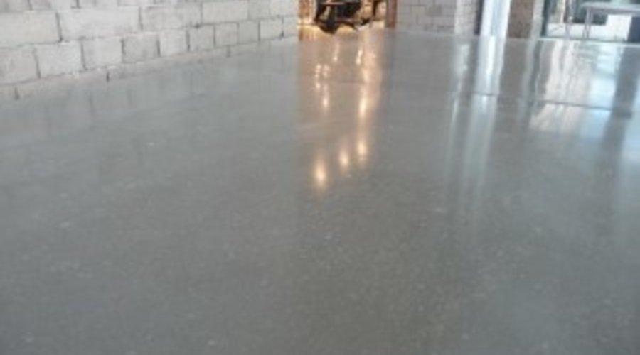 Abgeschliffener Beton versiegeln - Geschliffener Estrich