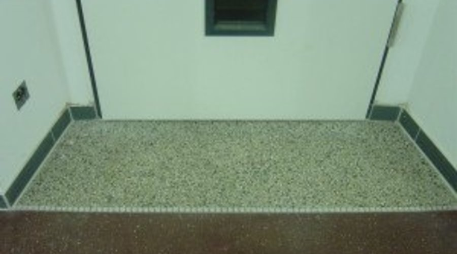 Terrazzo reinigen - Terrazzoböden pflegen - Terrazzoboden schleifen