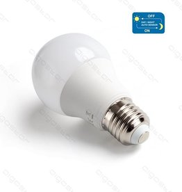 Aigostar LED A5S A60 BIG ANGLE 3000K / 6500K E27 8W with day / night SENSOR