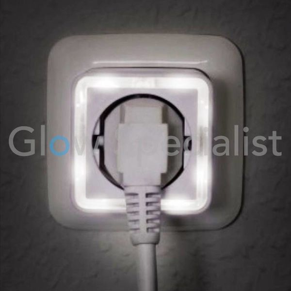 LED NIGHTLIGHT WITH SENSOR - 4 LED - WITH 230V SOCKET