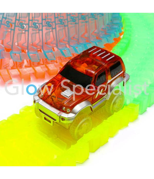 GLOW IN THE DARK RACEBATH WITH CAR - 81-PIECE