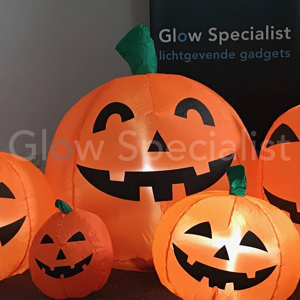 Pompoen En Halloween.Europalms Opblaasbare Halloween Pompoen Familie Met Verlichting 235 X 95 Cm