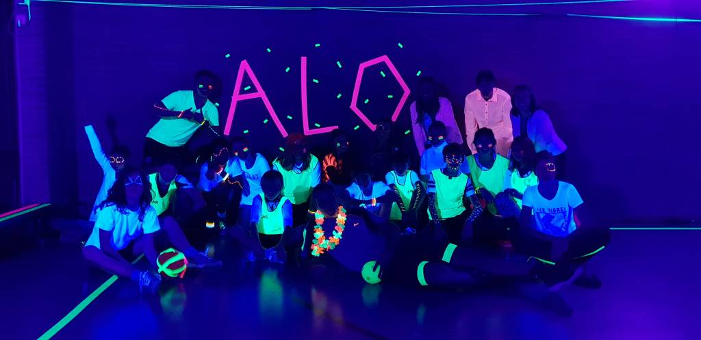 Haagse Korfbal Club ALO organiseert Glow Korfbal feest voor de jeugd