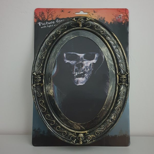 HALLOWEEN HAUNTED PICTURE FRAME - WITH LIGHT AND SOUND