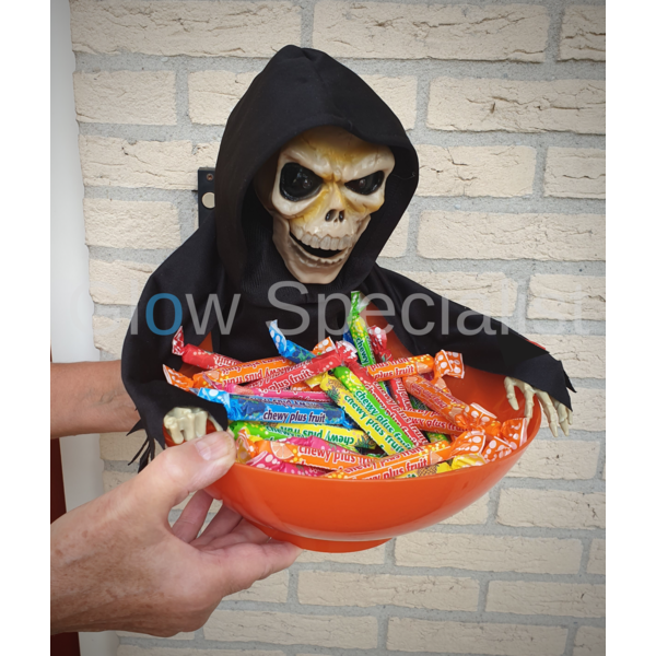 HALLOWEEN CANDY BOX - WITH LIGHT, MOVEMENT AND SOUND