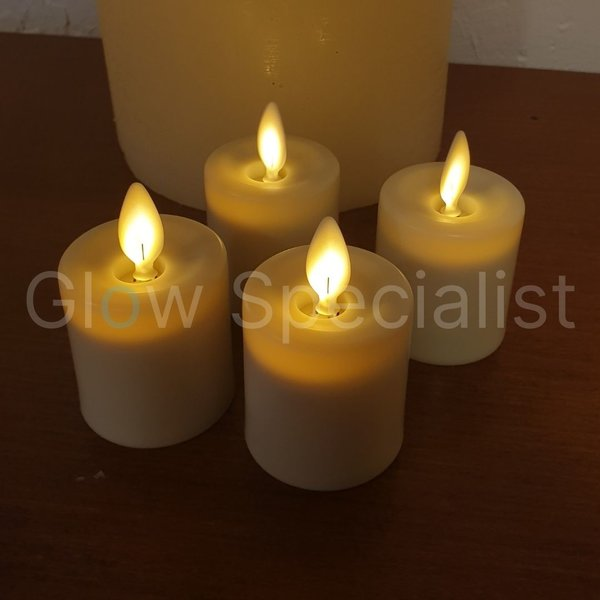 4 RECHARGEABLE LED CANDLES WITH MOVING FLAME, INCL. CHARGER