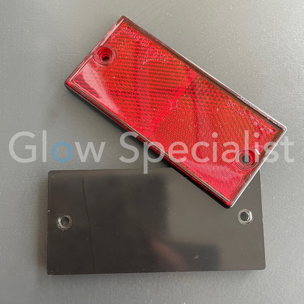 RECTANGULAR REFLECTOR RED - 105 X 48 MM - WITH SCREWHOLES - SET OF 2