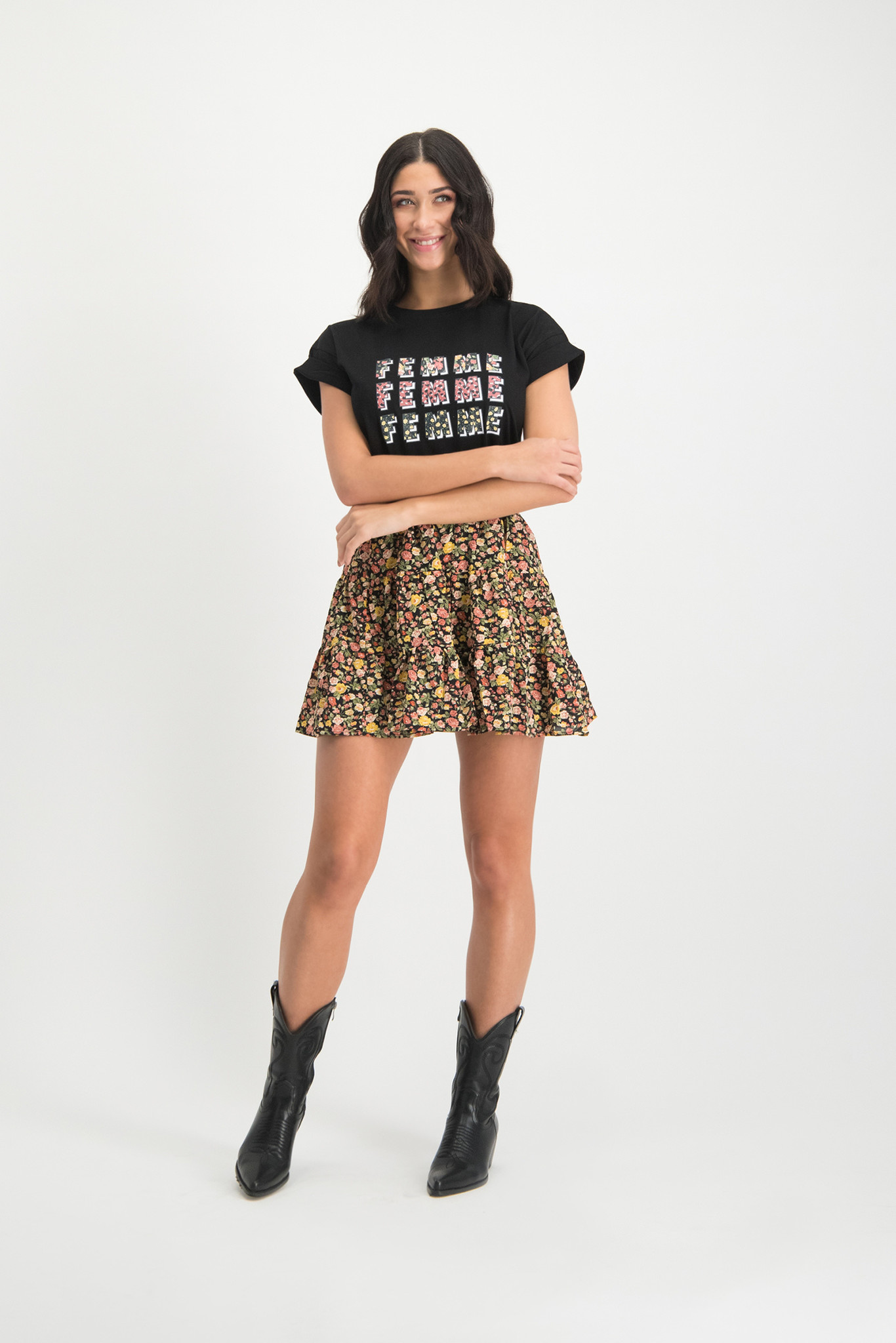 Lofty Manner Black Top Daria