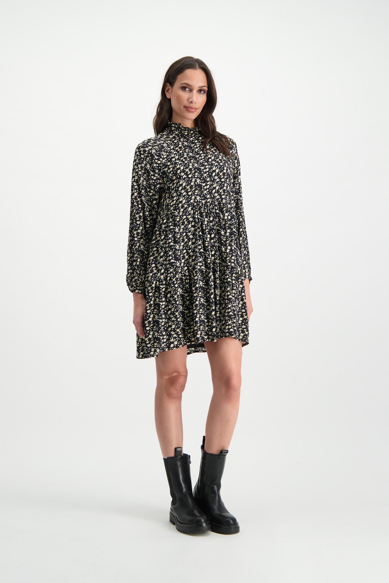Lofty Manner Zwarte bloemenprint midi-jurk Lucia