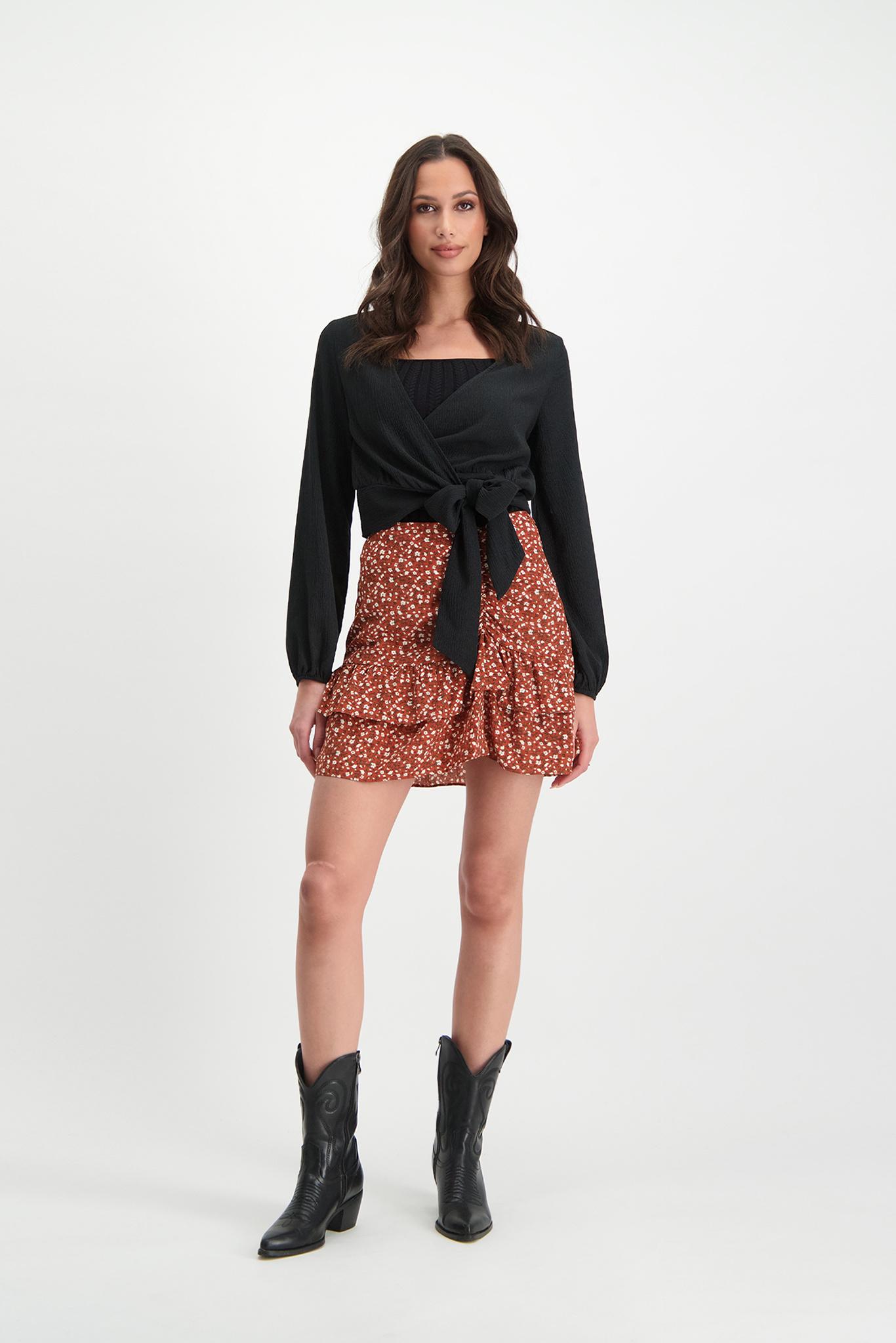 Lofty Manner Black Top Lauren