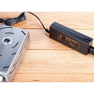 iFi audio iPower Plus 15V