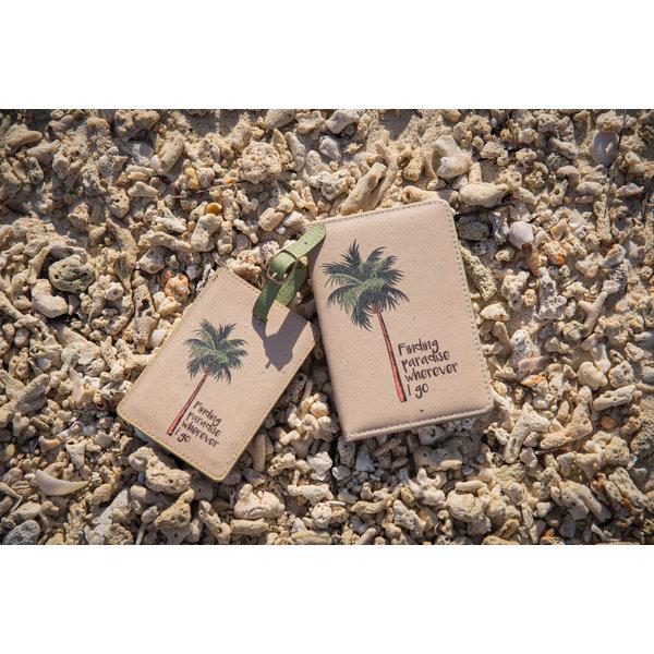 Finding paradise wherever I go Paspoorthoesje & luggage label - Giftbox