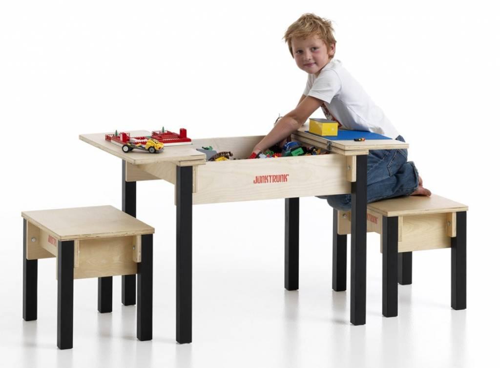Kindertisch Set aus Holz - Kindersitzecke aus Holz mit zwei Stühlen ...